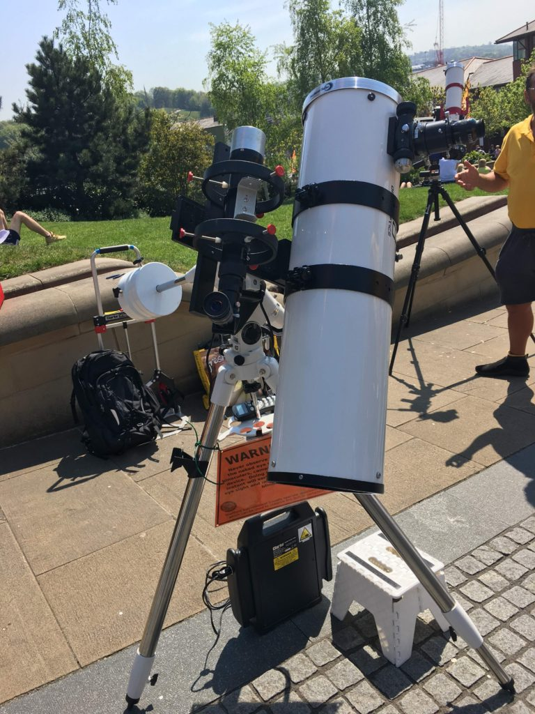 Newtonian and Hydrogen Alpha solar telescopes